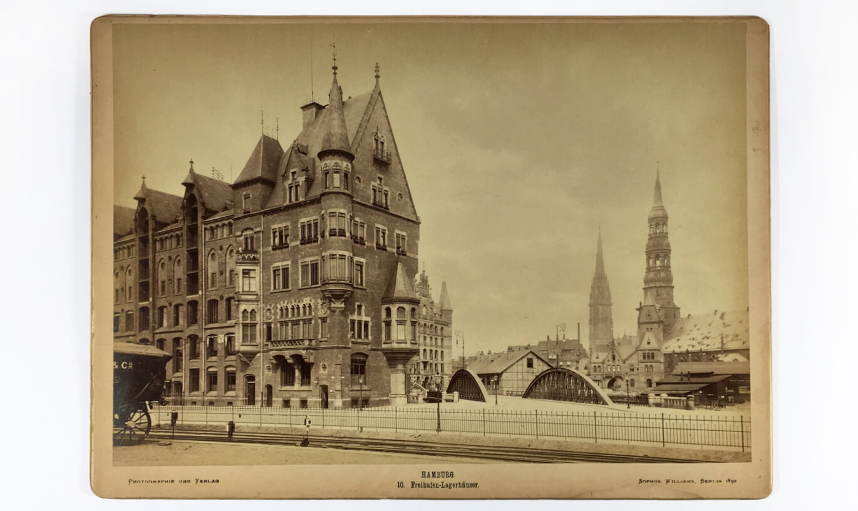 Verinion - Bits & Pieces Foto Speicherstadt von 1899